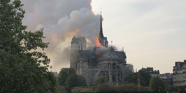 Paris Kirche Brennt