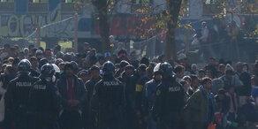 Flüchtlinge: Jetzt kommt die Notverordnung