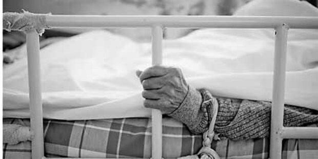 Patienten absichtlich Rippen gebrochen
