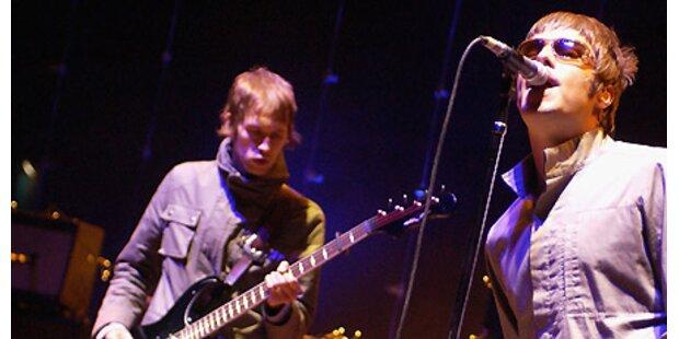 90 Minuten fulminante Rock-Show – 10.000 feiern Oasis