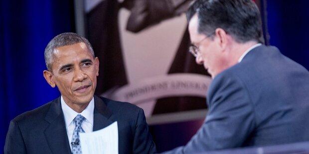 Obama witzelt über seine großen Ohren