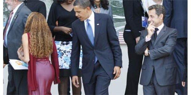 Obama starrt gar nicht auf Frauenhintern