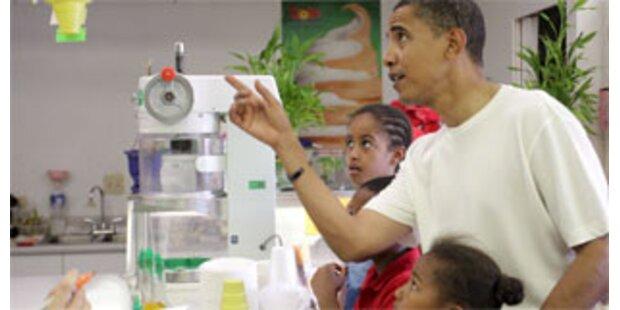 Obama sitzt im Dunkeln auf Hawaii
