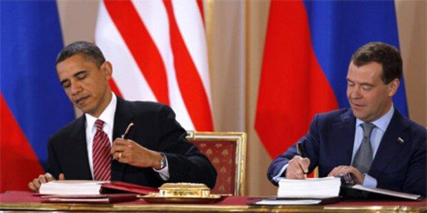 Obama und Medwedew rüsten Atomwaffen ab