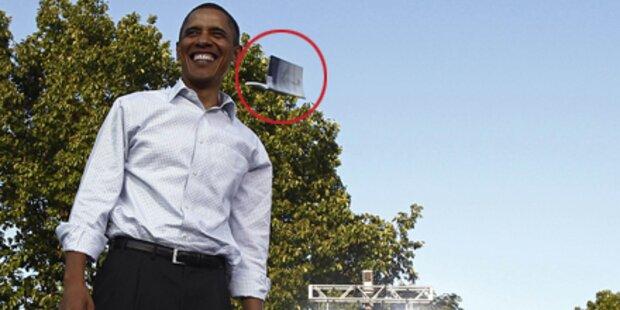 Hier wird Obama mit Buch beworfen