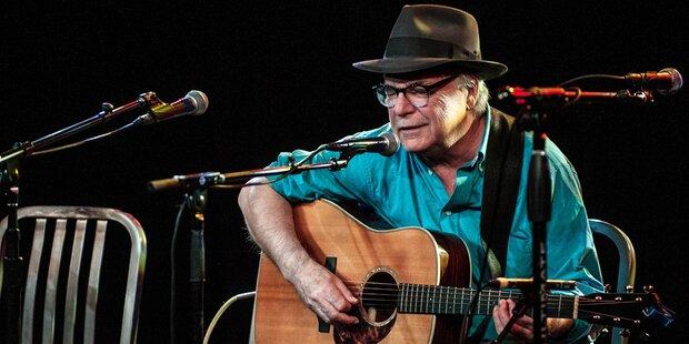 US-Sänger stirbt während er singt auf der Bühne