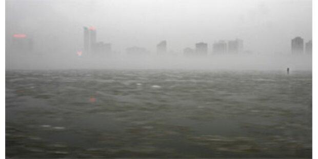 80.000 Kanadier nach Orkan ohne Strom