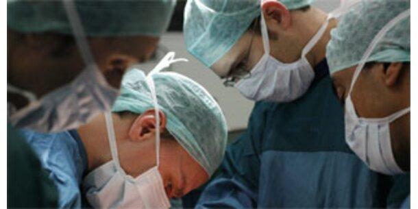 Chirurgen transplantierten fast komplettes Gesicht