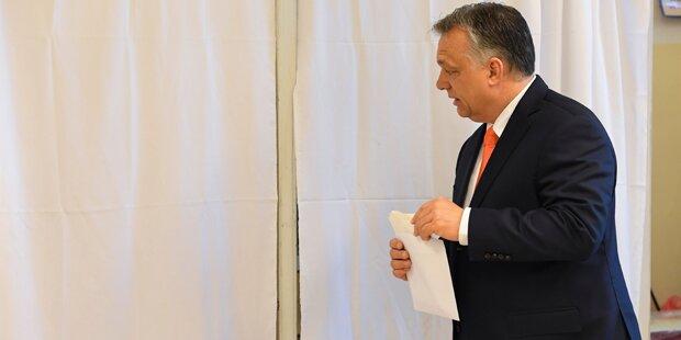Orban: Flüchtlingskurs wie Österreich
