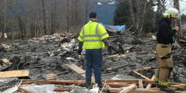 Mehr als 170 Vermisste nach Erdrutsch