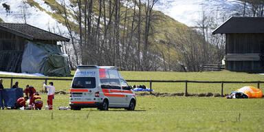 Paragleiter (32) stürzt 40 Meter in den Tod