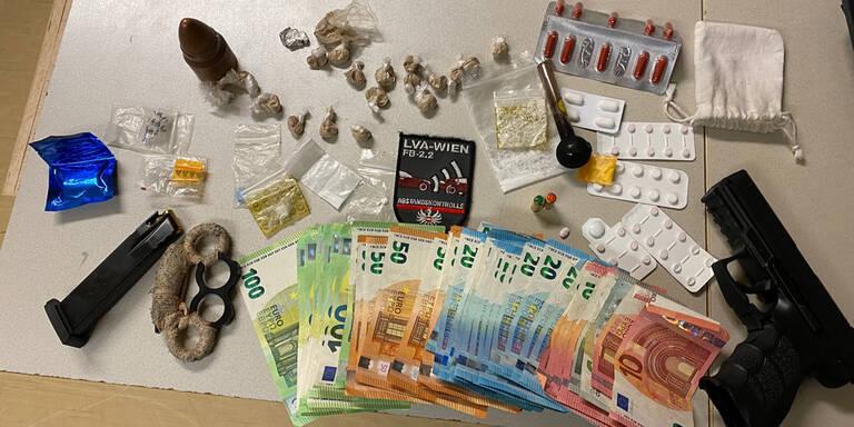 Er blinkte nicht, Polizei fand Drogen und Waffen