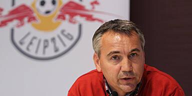 Pacult in Leipzig als Trainer präsentiert