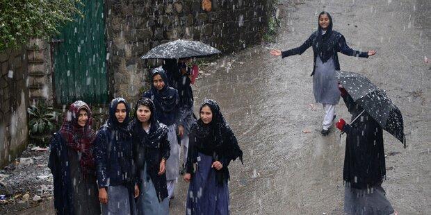 Extremisten bombardierten Mädchenschule