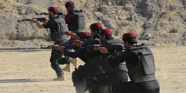 Taliban-Massaker an Schule: Mehr als 130 Tote