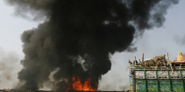 Dutzende Tote bei Taliban-Angriff