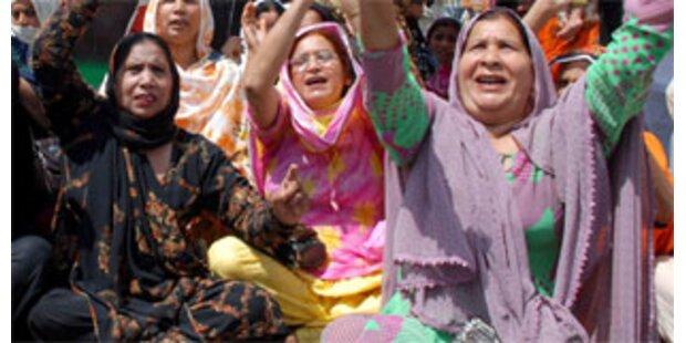 Frauen in Pakistan lebend ins Grab geworfen