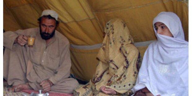 Vier und Sieben Jahre alte Kinder verheiratet