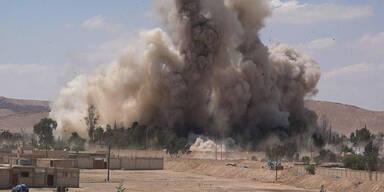 IS sprengt berüchtigtes Gefängnis