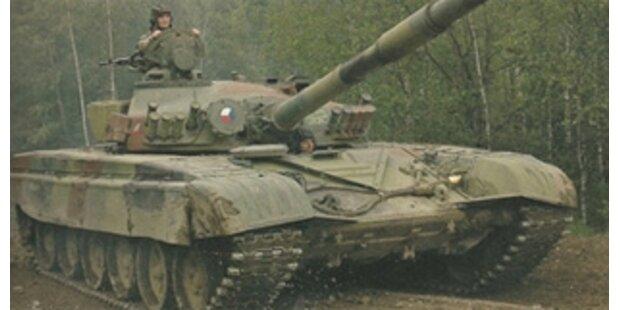 Prag will Waffen durch Österreich transportieren