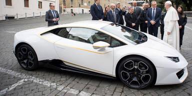 Papst will geschenkten Lamborghini nicht