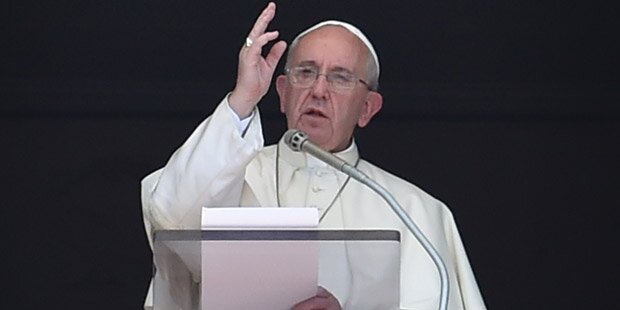 Erfolge von Strache und Co erinnern Papst an Hitler