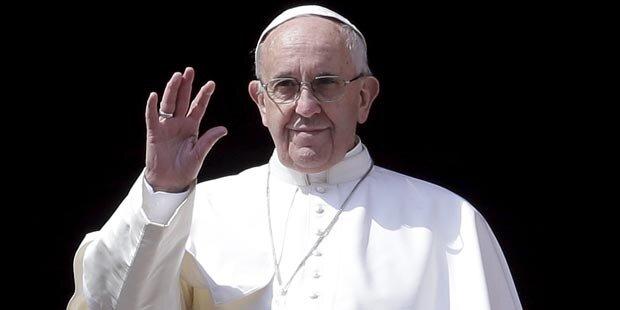 Papst öffnet Kirche für Frauen