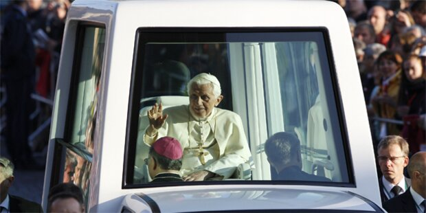 Schüsse am Rand der Papstmesse in Erfurt