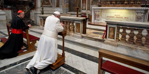 Papst besuchte Grab von Johannes Paul II