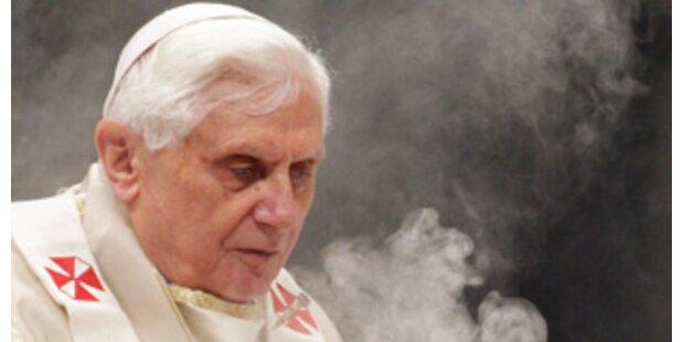 Papst rückt die Kirche nach rechts