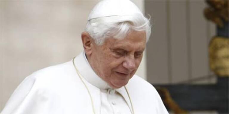 Schüller stellt Papst-Rücktritt in Raum