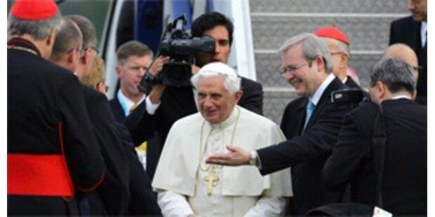 Papst entschuldigt sich für Pädophilie in Australien