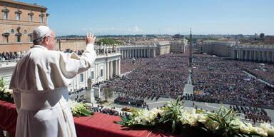 """Papst erteilt Ostersegen """"Urbi et Orbi"""""""