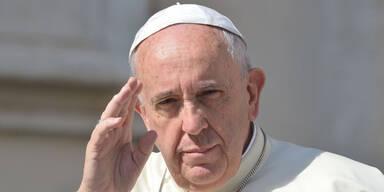 Papst wettert gegen Facebook & Co.