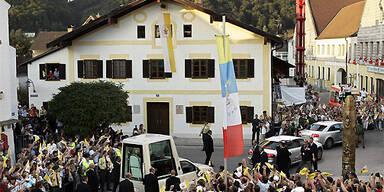 papstgeburtshaus_AFP PHOTO DDP/JOERG KOCH