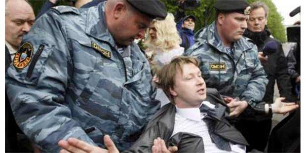 20 Aktivisten bei Homo-Demo festgenommen