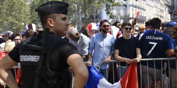Angst in Paris: Fan-Meile geschlossen