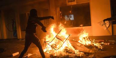 Paris brennt! Schwere Krawalle in Frankreich