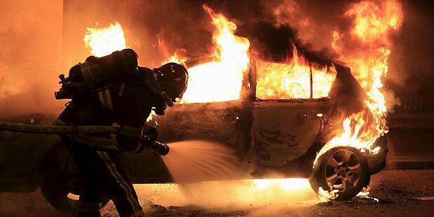 Frankreich: Über 800 Autos in Flammen