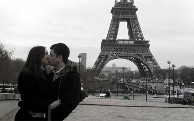 Feierlicher Hochzeitsverzicht auf dem Montmartre