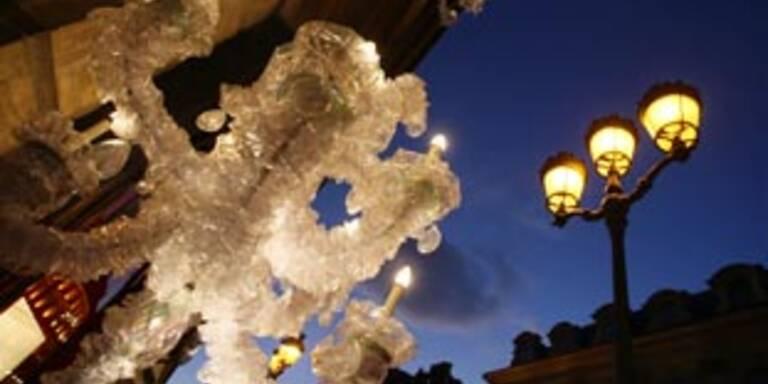 Erstmals Energiespar-Weihachtsbeleuchtung in Paris