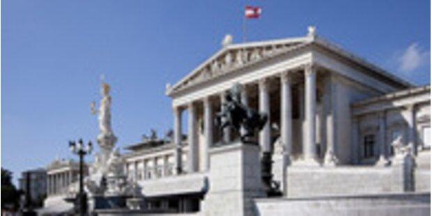 Emsige Büro-Suche im Parlament