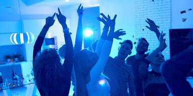 Polizei löst Corona-Party in Tiroler Hotel auf