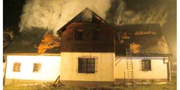 Nach Party brannte Hof komplett ab