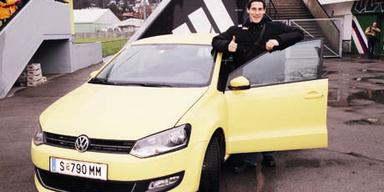 Top-Torwart Helge Payer testet den VW Polo