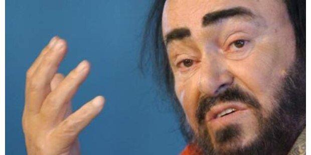 Krebskranker Luciano Pavarotti ins Spital eingeliefert