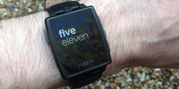 Fitbit könnte Pebble übernehmen