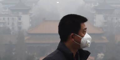 "Erstmals Smog-Alarmstufe ""Rot"" in Peking"