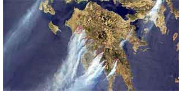 Regierung auf der Jagd nach Brandstiftern
