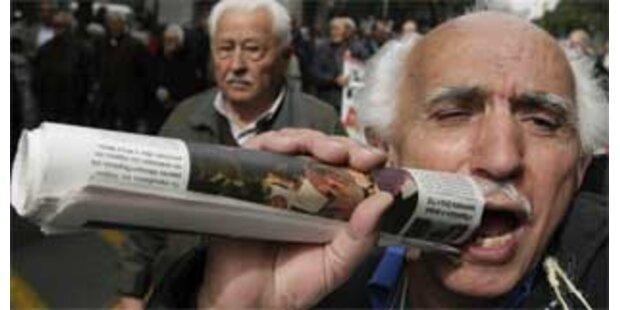 Frankreichs Pensionisten demonstrieren